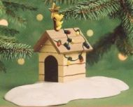 2000 A Snoopy Christmas: Woodstock on Doghouse