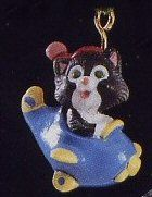 1991 Kittens In Toyland #4: Airplane (miniature ornament)